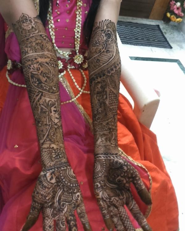 Laveena Mehendi Artist